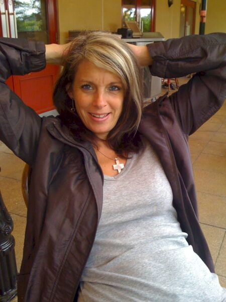 Adopte une femme mature coquine très salope