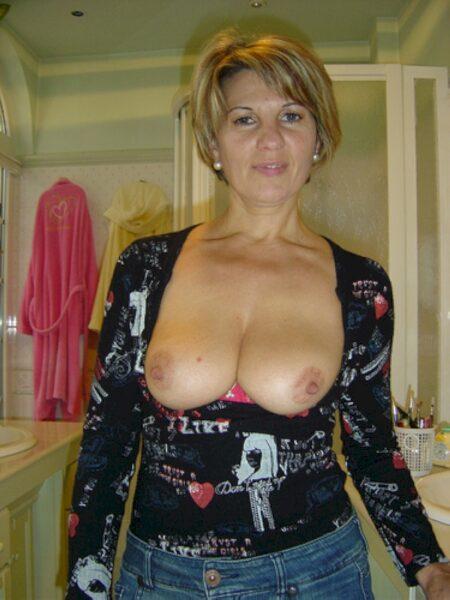Femme cougar soumise pour mec qui aime soumettre souvent disponible