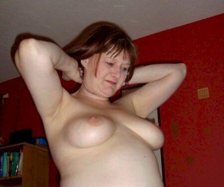 Femme sexy docile pour coquin expérimenté de temps à autre libre