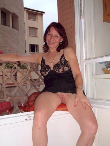 Femme sexy soumise pour homme clean fréquemment dispo