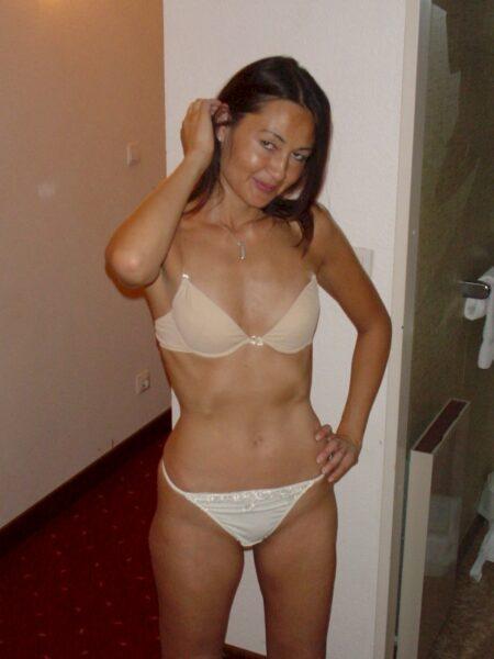 Plan coquin entre adultes décidés pour une femme asiatique perverse sur le Val-d'Oise