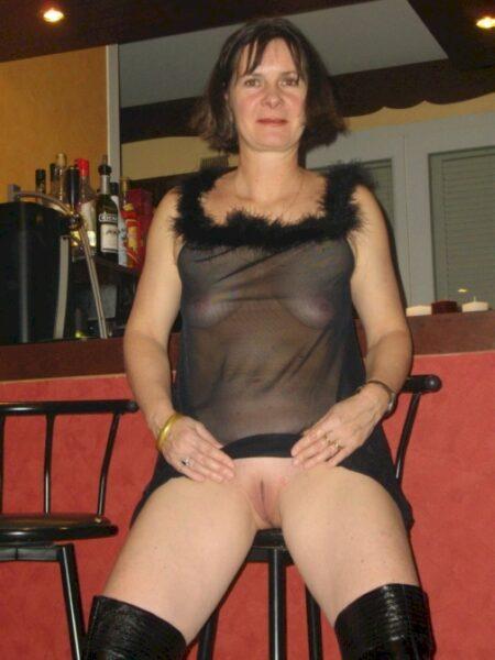 Une femme mature de Onet-le-Château pour un dial coquin et plus